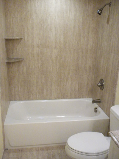 Bathtub shower combo remodel all about bathrooms for Bathroom bathtub remodel ideas