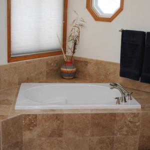 Bathtub Travertine Tile Surround
